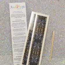 nailhugs nail appliques test and review polish and paws