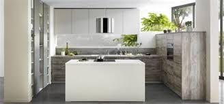 exemple de cuisine avec ilot central modele cuisine ilot central 6 cuisine 3m2 top cuisine jet set