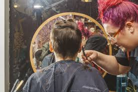 hair salons for crossdressers in chicago some chicago hair salons are cutting gender out of their pricing