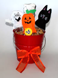 Gift Baskets For Halloween by Halloween Pet Headquarters Sweepstakes Giveaway Launched By Luxury