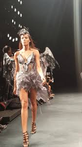 new york fashion week has its first ever halloween themed show