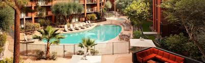 Pool And Patio Stores Phoenix by Holiday Inn Hotel U0026 Suites Phoenix Airport North Hotel By Ihg