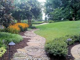 simple tips to choosing river rock landscape design