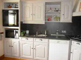 cuisine repeinte en blanc cuisine rustique repeinte collection avec cuisine repeinte en blanc
