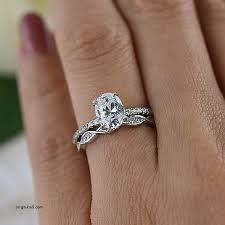 engagement rings luxury wedding band to go with oval engagement