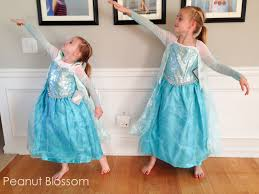 2 sisters 2 elsa dresses 1 halloween why i burst into tears and