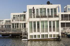 Floating Houses 23 Incredible Chilled Out Floating Houses And Houseboats In