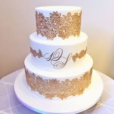 golden wedding cakes best 25 gold wedding cakes ideas on gold big wedding