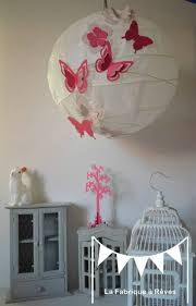suspension chambre bébé luminaire suspension abat jour papillons fleurs fuchsia