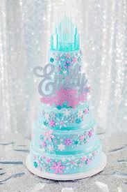 Christmas Cake Decorations Frozen by Best 25 Frozen Cake Ideas On Pinterest Disney Frozen Cake