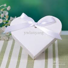 where can i buy boxes for gifts 34 best wedding favors images on heart shapes favor