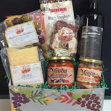 food gifts for men fortuna s best italian food gift basket best food gifts for men