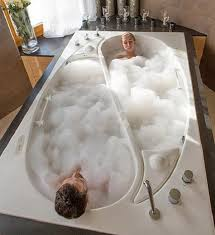 Jacuzzi Bathtubs For Two Oodles Of Bubbles Fun And Romance Bathtubs For Two Stylish Eve