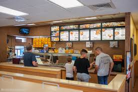 here u0027s what it u0027s like to eat at the southern fried chicken chain