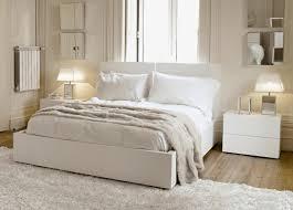 chambre beige et blanc chambre a coucher blanche idées de décoration capreol us