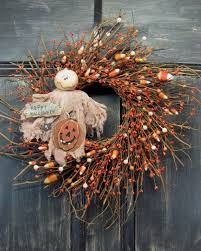 15 spooky handmade halloween wreath styles to decorate your front