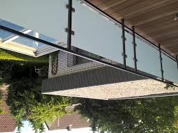 balkon sichtschutz aus glas balkongeländer mit glas komplette bausätze geländerladen de