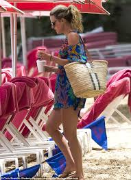 michael and lisa carrick continue to enjoy their family holiday in