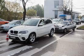 opel bmw дтп возле автосалона lexus пропуская пешехода столкнулись opel и