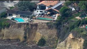 bluff collapse near la jolla homes prompts beach closure
