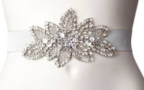 wedding accessories wedding day accessories less is more savvy bridal