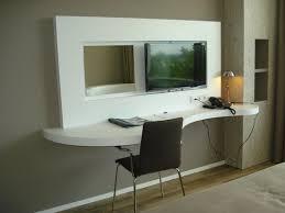 bureau of met bureau met flatscreen t v picture of fletcher hotel restaurant de