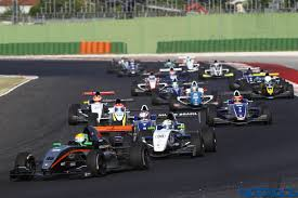 formula renault jehan daruvala scores pole and podium at the formula renault 2 0