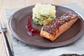 recette de cuisine saumon recette de saumon au sirop d érable aux poivres sauce atoca facile