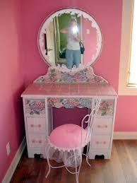 Little Tables For Bedroom Bedroom Minnie Vanity Little Girls Vanity Dress Up Vanity