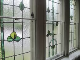 advantages and disadvantages of stained glass windows for homes