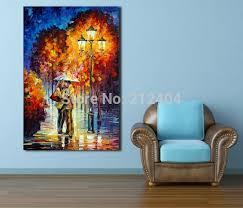 baise aux bureaux baiser sous la pluie romantique nuit date moderne couleur palette