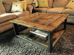 Diy Wooden Coffee Table Designs by Best 25 Barnwood Coffee Table Ideas On Pinterest Dark Wood Tv
