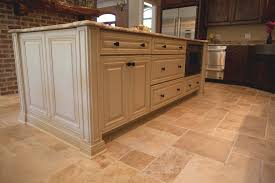 Kitchen Cabinet Glaze Colors Decorate The White Glazed Kitchen Cabinets