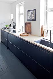 Blue Cabinets Kitchen by Best 20 Navy Kitchen Ideas On Pinterest Navy Kitchen Cabinets