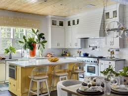 Kitchen Yellow - 13 essentials for a charming farmhouse style kitchen culturemap