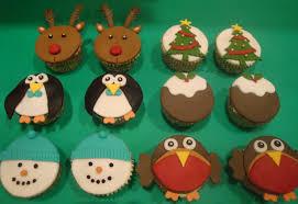 lauralovescakes cute christmas cupcakes