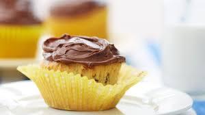 banana chocolate chip cupcakes recipe bettycrocker
