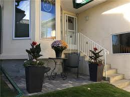 17 strathearn gardens sw bungalow for sale in strathcona park