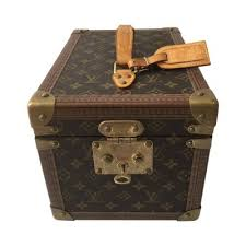 si e social louis vuitton pre owned designer cases for sale the chic selection