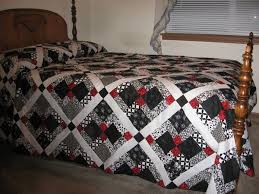 Black And White And Red Bedroom - best 25 black and white quilts ideas on pinterest black quilt