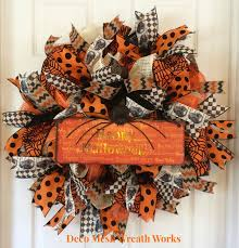 dress up your front door with this beautiful halloween wreath