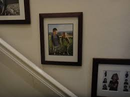 How To Hang Art On Wall by 5 Ways To Hang Pictures Without Nails Wikihow 25 Best Ideas About