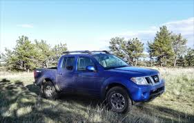 blue nissan truck 2015 nissan frontier continues the small pickup awesomness trend