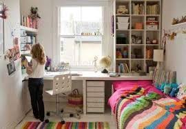 aménager un bureau pour enfant lespeti