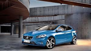 volvo v40 cross country r design volvo v40 r design and cross country get uk pricing autoevolution