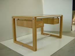 Schreibtisch Aus Glas Schreibtisch Als Synthese Aus Glas Holz Und Edelstahl Tischlerei