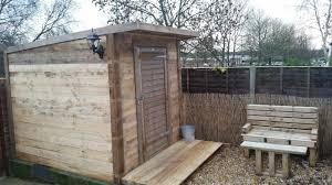 Pallet Furniture Outdoor Pallet Shed U0026 Bench Under 100 U2022 1001 Pallets
