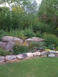 Backyard Flower Gardens by Best 20 Rock Garden Borders Ideas On Pinterest Landscaping