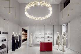 avenue montaigne flagship store http www valentino com en home