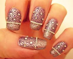 ball and chain easy textured nail art design